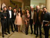 """أسرة """"بيت السلايف"""" تحتفل بعرض المسلسل بصورة جماعية"""