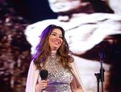 صور.. غادة رجب خلال حفل اليوم العالمى للسرطان: سعيدة وفخورة بالغناء فى الأقصر