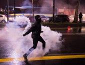 صور.. اشتباكات عنيفة بين الشرطة الإيطالية ومحتجين مناهضين للفاشية
