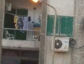 قارئ يرصد إنارة عواميد الكهرباء نهاراً فى سموحة بالإسكندرية