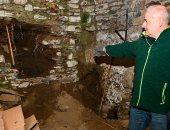 صور.. فرق بحث فرنسية تجرى حفريات للكشف عن رفات مواطن اختفى منذ 95 عاما