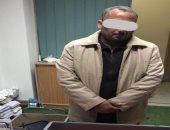 إحباط محاولة عامل بناء تهريب 8 آلاف قرص مخدر عبر مطار برج العرب