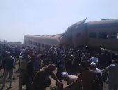 """شهود عيان يشاركون """"اليوم السابع"""" بصور جديدة من حادث قطار البحيرة"""