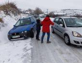 مصرع شخص وإصابة اثنين بسبب العاصفة الشتوية بالغرب الأمريكى
