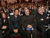 صور.. وصول عمرو سعد ولبلبة وسمير سيف إلى ختام مهرجان المركز الكاثوليكى