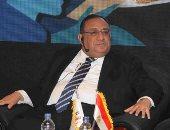 رئيس جامعة حلوان: زيادة أعداد المراوح بالمدرجات لمواجهة ارتفاع الحرارة