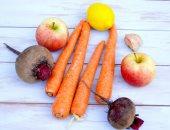 صحتك فى وصفة.. البنجر والجزر مع التفاح يعالج السرطان و7 فوائد أخرى