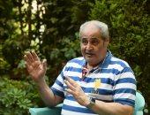 تأخر صلاة الجنازة على جثمان نبيل فاروق بسبب التأكيد على التباعد الاجتماعى