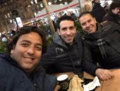 ميدو ينشر صورته مع أبو تريكة ونبيل معلول فى باريس.. ويعلق: مع الصديقين