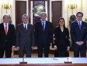 """صور.. رئيس الوزراء يشهد توقيع اتفاقية لإنشاء مزرعة رياح بـ""""جبل الزيت"""" بخليج السويس"""