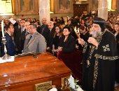 البابا تواضروس يصل الكنيسة البطرسية لترأس صلاة الجناز على أسقف طما (صور)