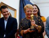 رئيسة تشيلى ميشال باشليت تحتفل بجائزة الأوسكار أفضل فيلم أجنبى.. صور
