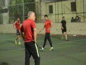 فيديو.. السبكى وحسن الرداد وهشام ماجد وشيكو فى مباراة كرة قدم بالدقى