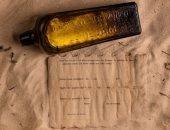 تأخرت 132 عاما..  العثور على أقدم رسالة فى زجاجة على شاطئ بأستراليا