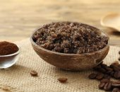 وصفات طبيعية لتنظيف البشرة بالقهوة من التطهير للماسكات