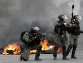 بلدية الاحتلال الإسرائيلى تجبر عائلة فلسطينية على هدم موقف سيارات