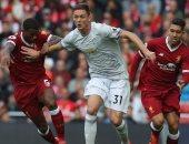 ليفربول يبحث عن انتصار تأخر 4 سنوات أمام مانشستر يونايتد