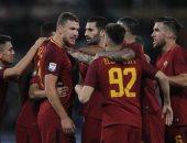 فيديو.. وصول فريق روما إلى ليفربول لمواجهة صلاح ورفاقه فى دورى الأبطال