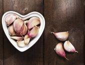 فوائد تناول الثوم على الريق أهمها خفض الضغط والكوليسترول