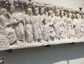"""صور.. اليوم السابع فى متحف اللوفر أبو ظبى..  أبو الهول اليونانى عمره 2600 سنة.. وتابوت مسيحى على ملة """"نسطور""""..  وبوذا ينصت إلى أتباعه..  وشواهد قبور إسلامية ويهودية"""