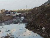 طريق الطويل بالدقهلية يغرق بالصرف وتهالك الطريق الرئيسى بكفر حمزة فى القليوبية