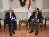 السفير الإيطالى: نتطلع لزيادة الاستثمارات بمصر فى صناعة البترول والغاز