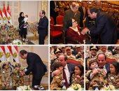 الرئيس السيسي يكرم أمهات وزوجات الشهداء فى الندوة التثقيفية للقوات المسلحة