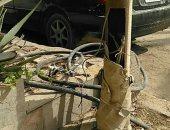 قارئ يحذر من وجود كابلات عارية بأعمدة الكهرباء فى شوارع الحى الثامن بالمقطم