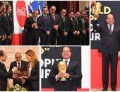 الرئيس يستقبل بعثة الفيفا وكأس العالم..ويدعو المصريين للدعاء للمنتخب
