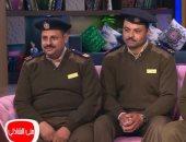 """فيديو.. تفاصيل إنقاذ 3 أمناء شرطة لـ""""طفل أسيوط"""" لحظة سقوطه من الدور الثالث"""