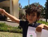 فيديو.. طفل مصرى يهتف للسيسي ويلوح بعلم مصر فى انتخابات الرئاسة بأستراليا