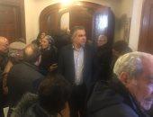 صور.. طوابير الناخبين أمام سفارة مصر فى كندا