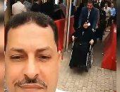 فيديو.. قعيدة على كرسى متحرك تشارك بانتخابات الرئاسة فى الرياض