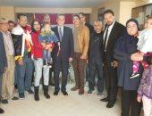 صور.. المصريون يواصلون التصويت بالرباط وتليفزيون المغرب ينقل العرس الانتخابى