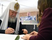بطريرك الكنيسة الروسية يدلى بصوته فى انتخابات الرئاسة فى روسيا