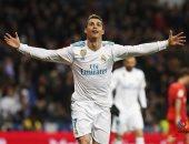 """فيديو.. قصة كريستيانو رونالدو مع """"السوبر هاتريك"""" بقميص ريال مدريد"""