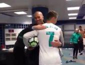 """شاهد.. كيف استقبل نجوم ريال مدريد رونالدو بعد """"سوبر هاتريك"""" جيرونا"""