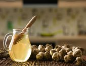 بأبسط الطرق.. رجيم بالماء الدافئ مع العسل والثوم