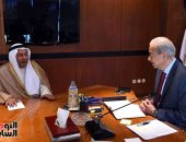 رئيس الوزراء يلتقى السفير الكويتى بالقاهرة لبحث سبل التعاون المشترك  - صور
