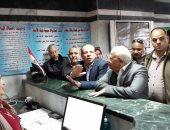 محافظ بورسعيد يحث العاملين بحى المناخ المشاركة بالانتخابات الرئاسية