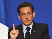 """ساركوزى يتعهد بسحق """"عصابة القذافى"""" والطعن على أمر منعه من السفر"""