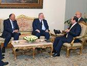 وزير خارجية اليونان يغادر القاهرة بعد لقائه الرئيس السيسى