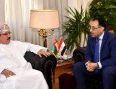 وزير الإسكان يلتقى نظيره العمانى ويرحب بنقل تجربة مصر العقارية للسلطنة (صور)