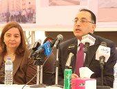 وزير الإسكان يتفقد وحدة سكنية بأكتوبر قبل بدء تسليم الشقق للفائزين
