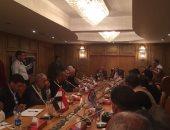 وزير التنمية المحلية يعقد جلسات مع رؤساء القرى ونواب البرلمان بقنا