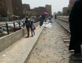 قارئ يطالب بتوسيع ممر العبور بمزلقان السوق فى سوهاج
