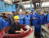وزير النقل يتفقد ورش صيانة القطارات بالسبتية ويطالب بزيادة الإنتاج الشهرى (صور)