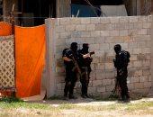 ننشر صور محاصرة مقر اختباء منفذ تفجير موكب رئيس وزراء فلسطين بغزة