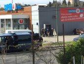 """صور.. فرنسا: مقتل محتجز الرهائن فى هجوم """"سوبر ماركت تريب"""""""