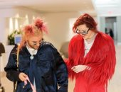 صور.. كيف صدمت بيلا ثرون ومود سان عشاقهما فى نيويورك